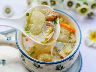 冬瓜花蛤汤,来一口。