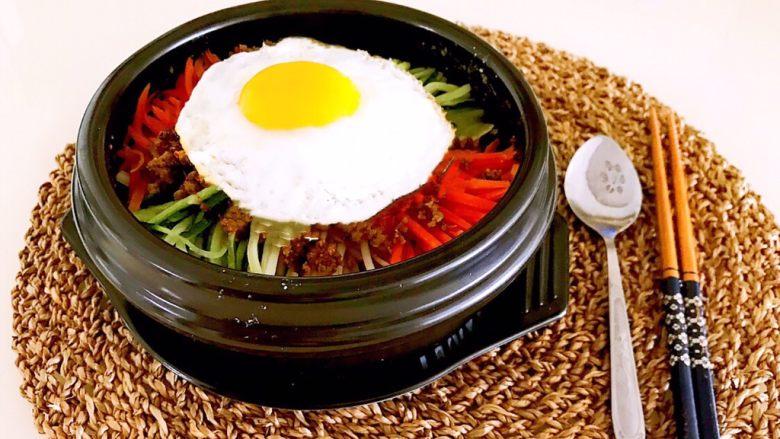 韩式石锅拌饭,一碗腌制爆表的韩式石锅拌饭就做好了