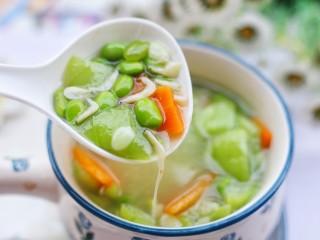 丝瓜毛豆虾米汤,无敌好喝。