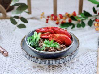 小龙虾青菜清汤荞麦面,再来一张诱惑你。