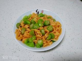 西红柿手擀面拌丝瓜菜