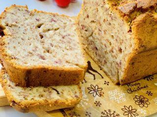 玫瑰乳酪重磅蛋糕,吃不完密封保存冰箱冷藏,冷藏后食用口感更佳。
