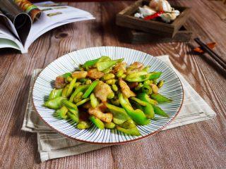 香辣毛豆,现在这个季节吃毛豆正是时候,多买回家吃哦。