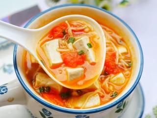 番茄金针菇豆腐汤,来一口呀~
