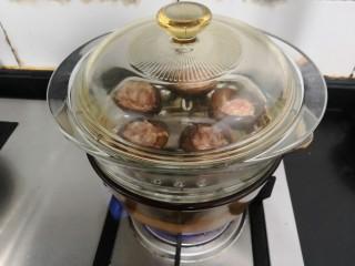 香菇酿肉,大火蒸12分钟,关火