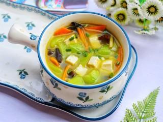 丝瓜豆腐木耳汤