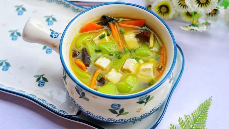 丝瓜豆腐木耳汤,成品。