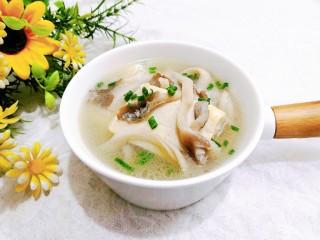 菌菇豆腐汤,上桌,即可开吃