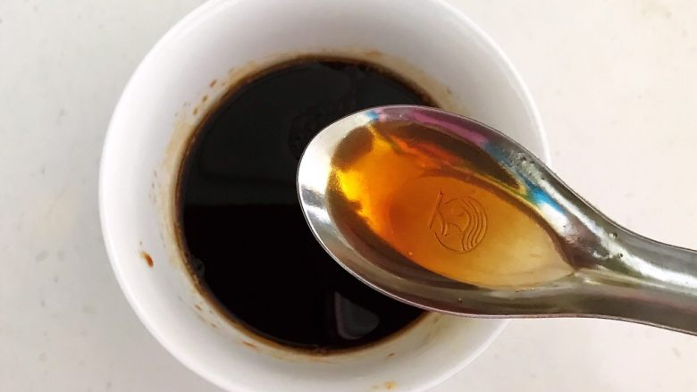麻辣牛肚,加入红辣油