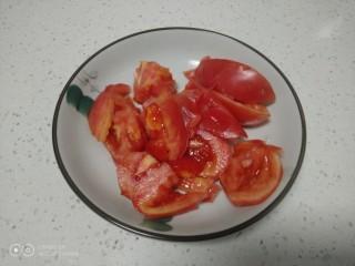 尖椒炒西红柿、丝瓜,西红柿切大块