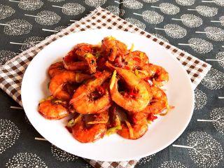 干锅基围虾,干锅基围虾鲜香酥脆,香辣适宜,这是一道可以当做零食的菜品,补钙佳品~