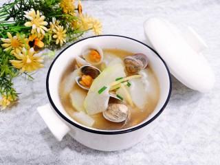 冬瓜花蛤汤,盛出上桌