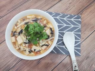 菌菇豆腐汤,出锅啦😋