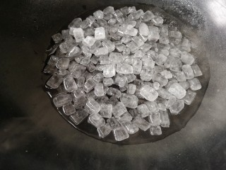 柚皮糖,熬糖浆,100克水加500克冰糖。