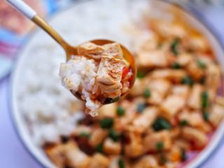 红烧豆腐盖饭,来吃一口!