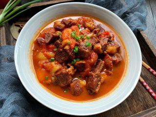 番茄炖牛腩,低脂又美味的西红柿土豆炖牛腩就做好啦!