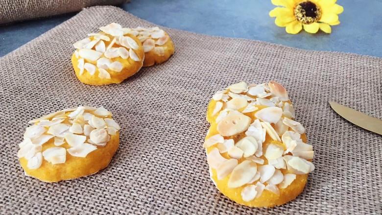 松软香甜的红薯米粉杏仁饼,营养倍棒!