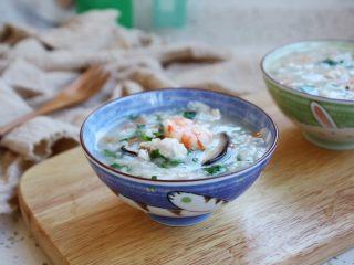 鸡蓉虾仁香菇粥,成品图。
