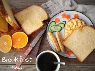 宝宝香肠,无论是搭配早餐还是空口吃味道都是超赞的!