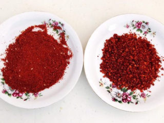 韩式辣白菜,细辣椒粉和粗辣椒粉