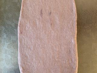 紫米面包,擀平 卷起