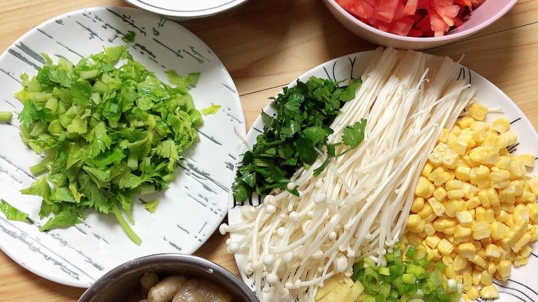 西红柿面疙瘩,食材切好待用。