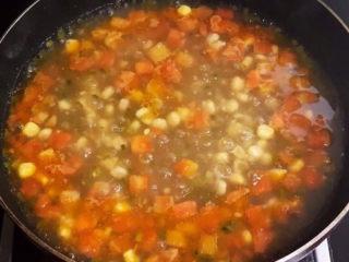 西红柿面疙瘩,烧开后煮5分钟