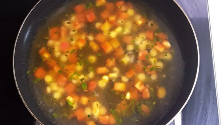 西红柿面疙瘩,加入冷水