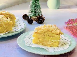 苹果千层蛋糕,上色均匀,打开烤箱那一瞬间苹果的香气扑鼻😋非常诱人