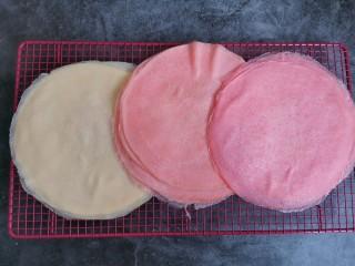 千层福袋蛋糕,摊饼皮,颜色自行决定