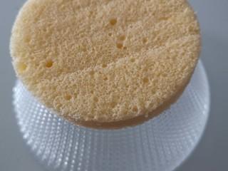 千层福袋蛋糕,底层放最小的那层蛋糕片