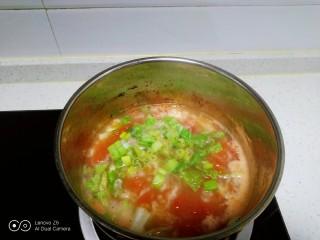 西红柿面疙瘩,搅拌均匀