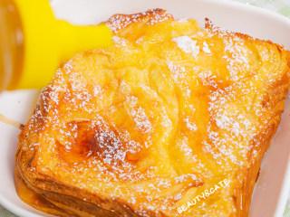 泡过牛奶浴的吐司,在我心中排名第一!!!,均匀地淋上甜甜哒蜂蜜
