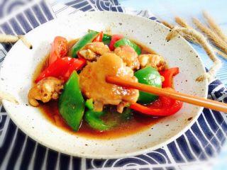 双椒炒鸡翅,美味诱人