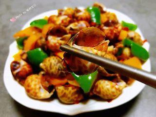彩椒辣酱炒花螺,花螺肉肉鲜嫩可口有种停不下来的感觉