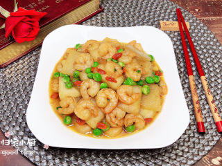 冬瓜炒虾仁,一盘美容养颜的冬瓜炒虾仁就做好了。