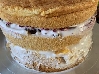 妈妈的生日蛋糕,盖上最后一片面包pian