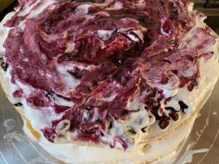 妈妈的生日蛋糕,在抹一层蓝莓酱