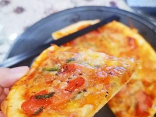 自制薄底披萨 味道绝了,薄底脆脆的披萨你值得拥有