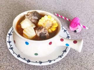 山药玉米排骨汤,好吃好看又美味山药玉米排骨汤非常适合冬季食用~