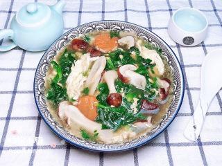 芙蓉鲜蔬汤,一碰浓香润滑爽口的芙蓉鲜蔬汤就上桌了!