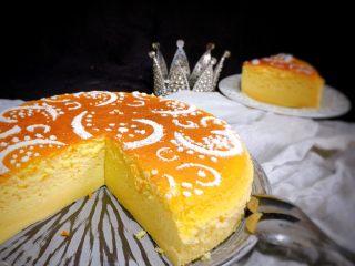 日式轻乳酪蛋糕,撒糖粉装饰一下更美观