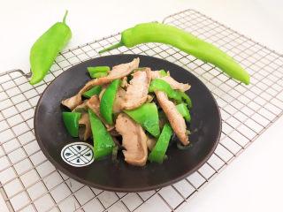 青椒炒猪肚,青椒炒猪肚口感独特,香而不腻,没有杂味,自己做的吃着放心~