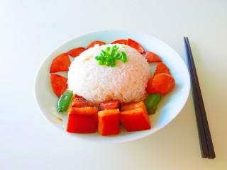 家常卤肉饭,吃肉喜欢半肥半瘦的。