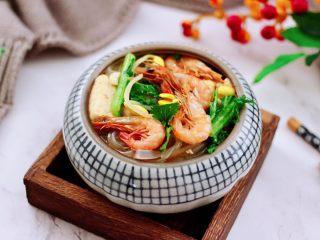 苔菜海虾粉条一锅炖,鲜掉眉毛的一锅炖出锅咯,好吃到哭,嘻嘻,我家宝贝多吃了一碗米饭。