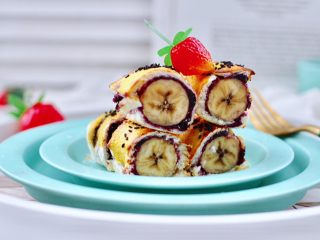 快手早餐-香蕉蓝莓吐司卷,好吃营养不油腻,老公超喜欢。