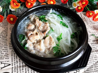 白萝卜羊肉汤,白萝卜羊肉汤做好了~