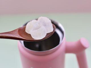 板栗小米糊,最后放入冰糖,也可以放白糖或是蜂蜜。