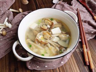 花蛤豆腐汤,完成。