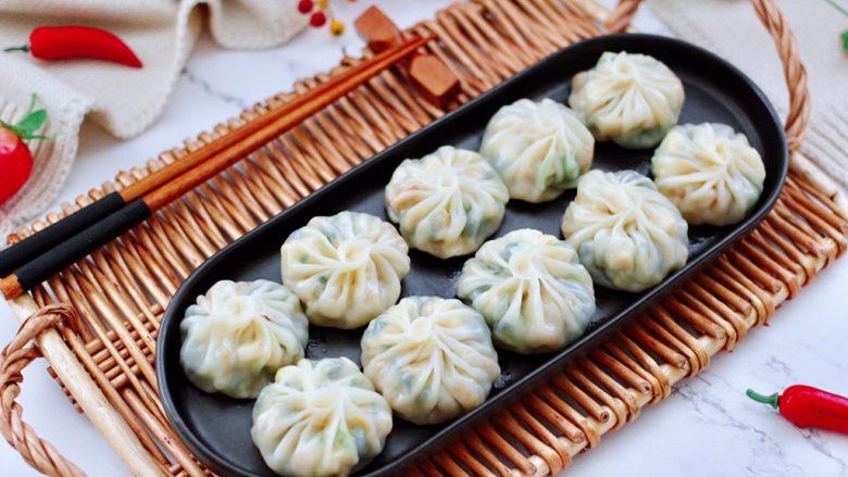 萝卜樱海鲜豆腐蒸饺,皮薄馅足的蒸饺出锅咯。